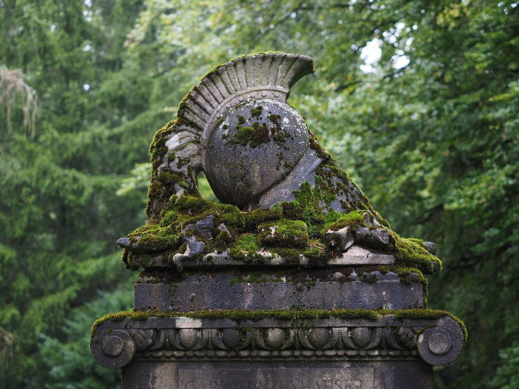 Kriegerdenkmal im Grünen