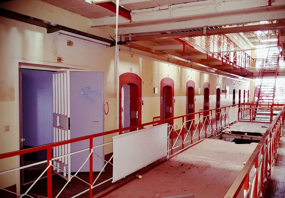 Gefängnis von innen. Korridor.