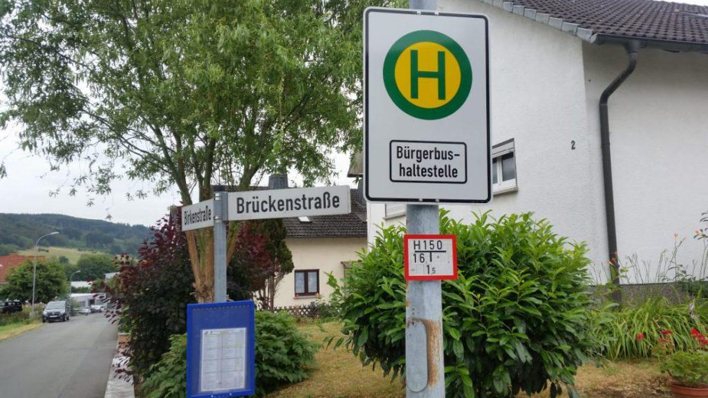 Haltestellenschild für den Bürgerbus