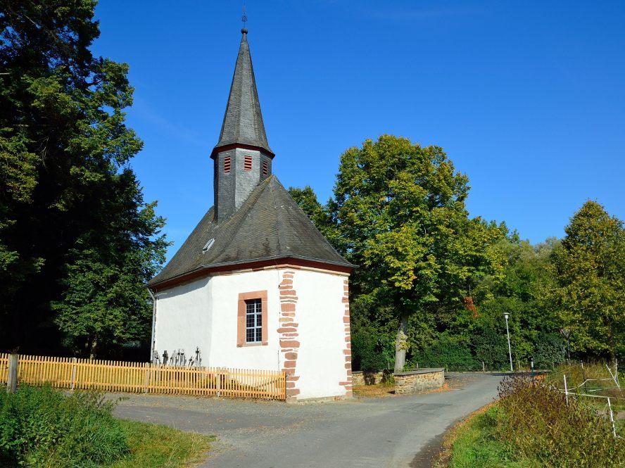 Kapelle am Waldrand