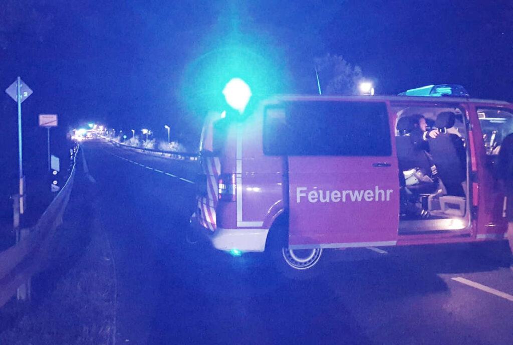 Feuerwehrauto auf der Straße
