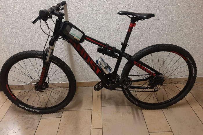 Schwarz-Rotes Rad