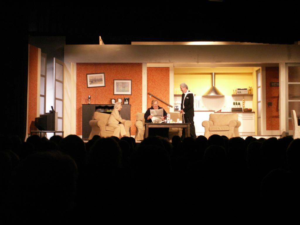 Theaterbühne und Publikum