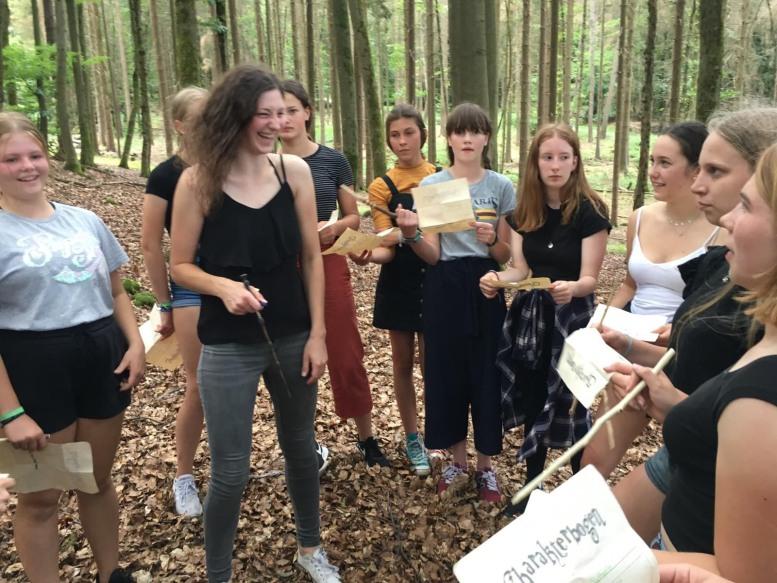 Mädels im Wald