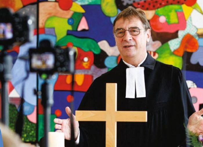 Pfarrer auf der Kanzel