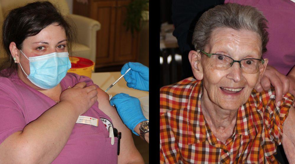 Eine Krankenschwester und eine Seniorin werden geimpft